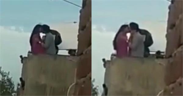 'छपाक': छत पर विक्रांत मैसी के साथ लिपलाॅक करती दिखीं दीपिका पादुकोण, वीडियो वायरल