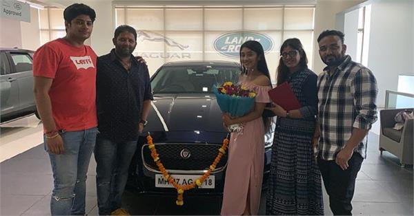 shivangi joshi new car jaguar pictures