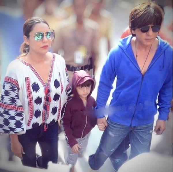 shahrukh khan reveals reason why he took abram to vote