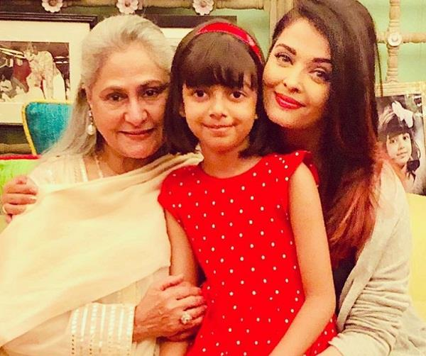 aishwarya rai share picture with mother in law