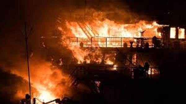 at least 20 dead in peru bus fire