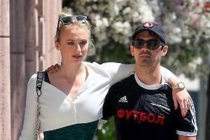 sophie turner joe jonas spotted at lunch date