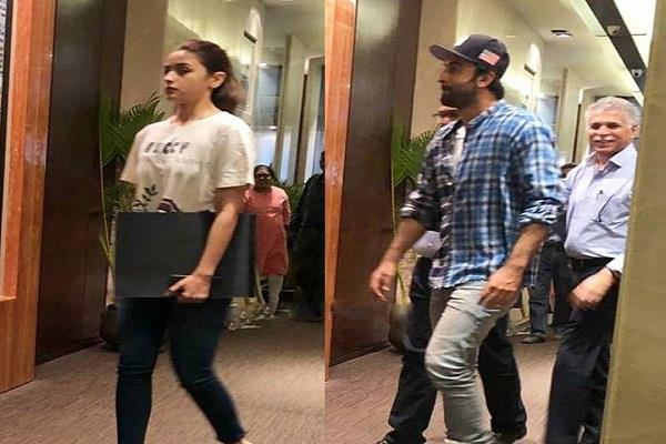 alia bhatt spotted with ranbir kapoor