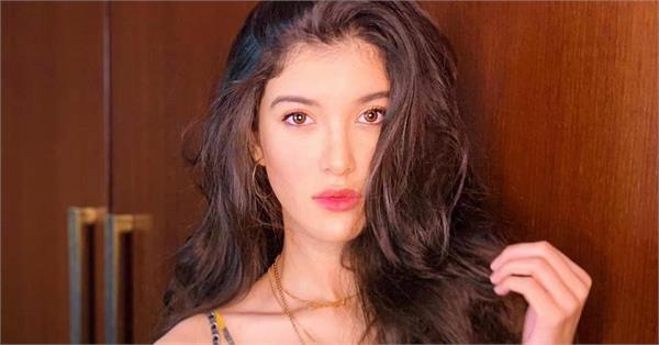 sanjay kapoor share daughter shanaya kapoor picture