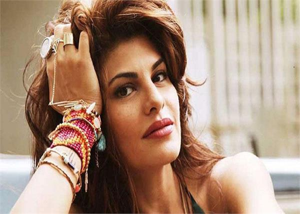 jacqueline fernandez high on social media