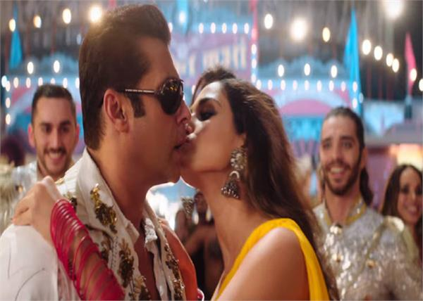 salman khan breaks no kissing police because of disha patani