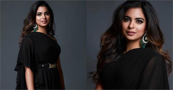 isha ambani look elegant in sabyasachi black saree