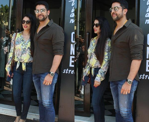 aftab shivdasani spotted with wife