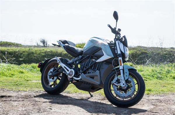 zeros sr f electric motorcycle is quicker and now more connected