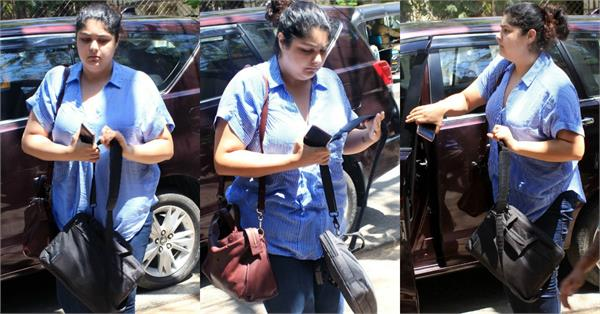 anshula kapoor spotted at bandra