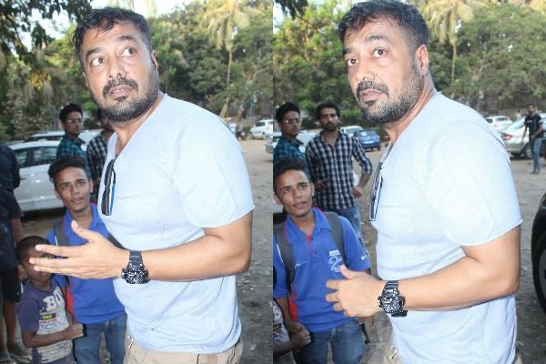 anurag kashyap flare up on photographers