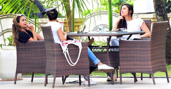 kareena kapoor khan malaika arora at amrita arora house