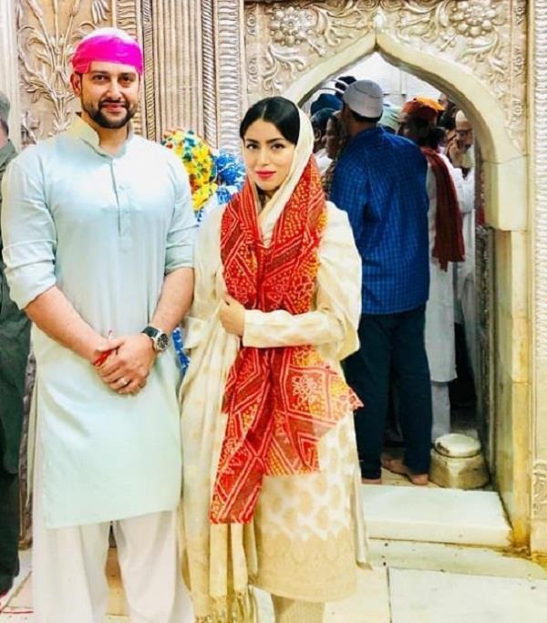 aftab shivdasani with wife nin dusanj