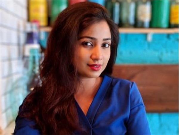 shreya ghoshal reprimanded singapore airlines