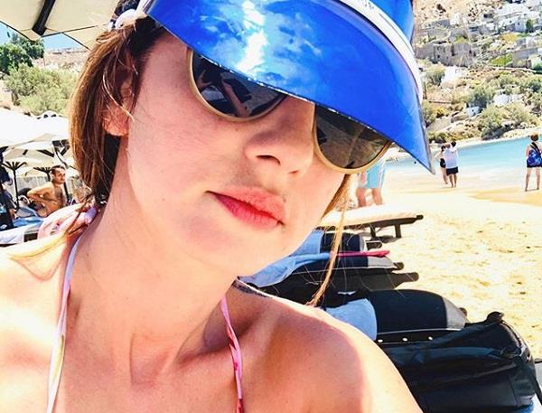 sussanne khan shares old picture