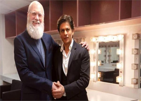 bollywood star shahrukh khan shares his photo of show lettermen