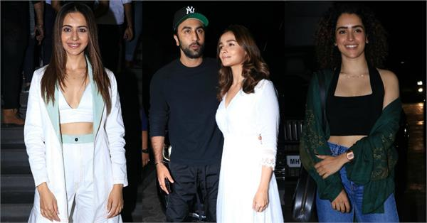 bollywood stars attended special screening film de de pyaar de