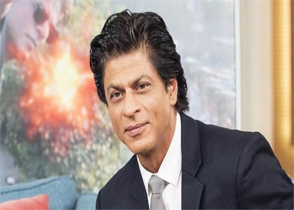 shahrukh khan leaves for new york for the david letterman show