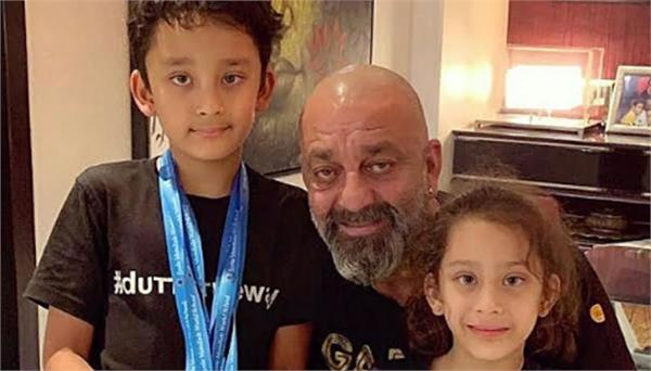 sanjay dutt wants his children to live their life free of all pressure