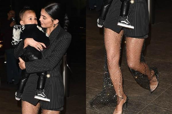 kylie jenner spotted at dinner date with cute daughters
