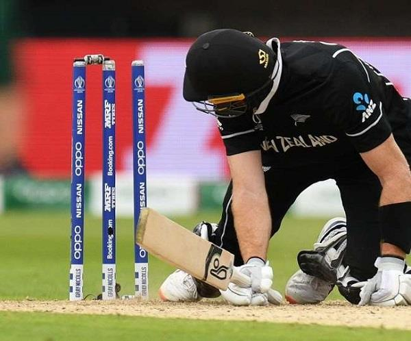 guptill becomes a victim of bad luck incident happened first time in wc