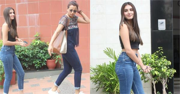 tara sutaria spotted with mother