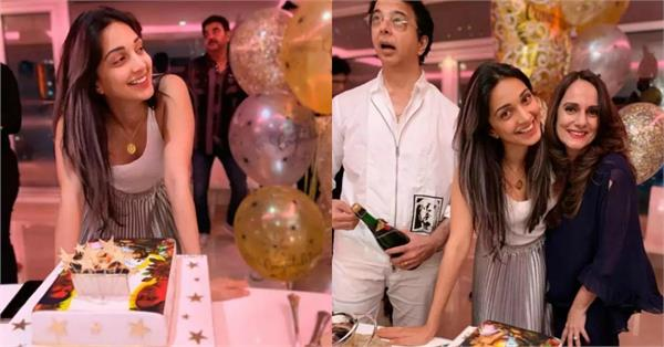 kiara advani celebrates with her parents