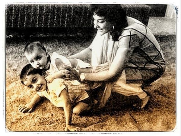 sanjay dutt shares nargis picture