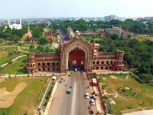 the choice of bollywood producers and directors is becoming the city of nawabs