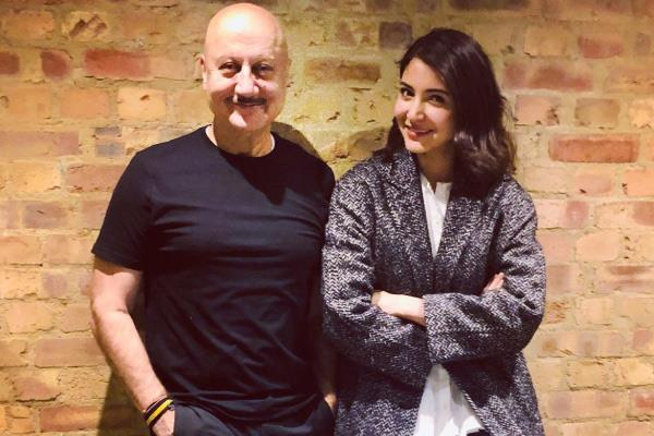 anupam kher and anushka sharma met in london see photo