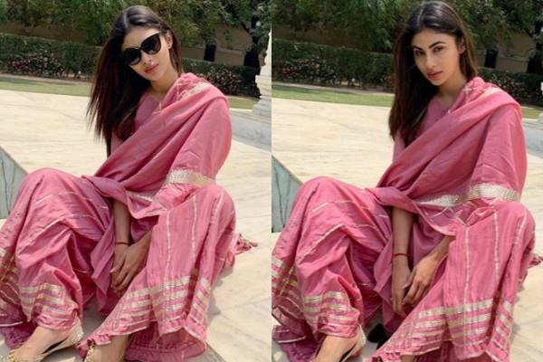 mouni roy latest pctures