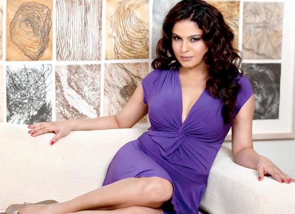 pakistani actress veena malik on missing indian aircraft