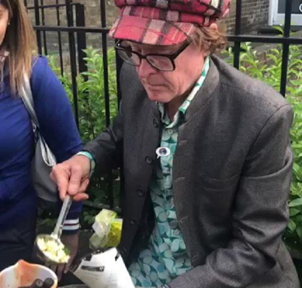 english man selling peanuts on england streets video viral