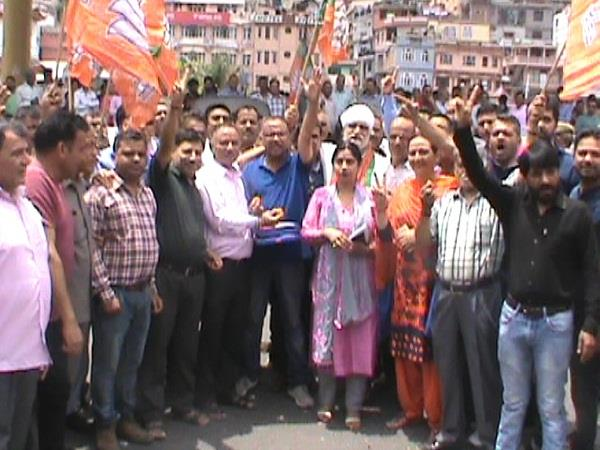jp nadda coronation celebrate in the home district of cm