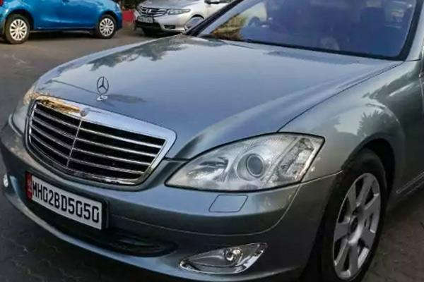 amitabh bachchan old mercedes benz put up for sale