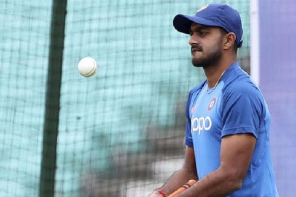 another blow to team india injury to vijay shankar