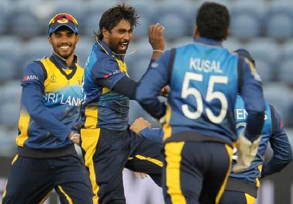 sri lanka team avoids press confrence icc in action mood