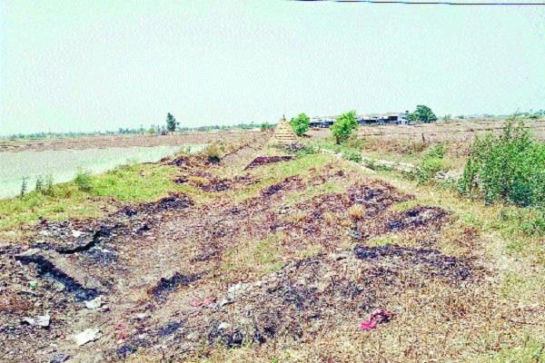 fury in the farmers by not releasing water in rajbaha