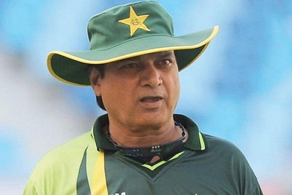 mohsin khan resigned from the post of pcb cricket committee