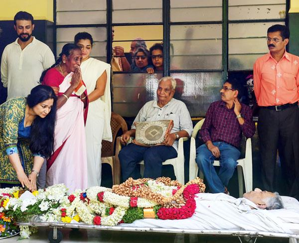 girish karnad passed away