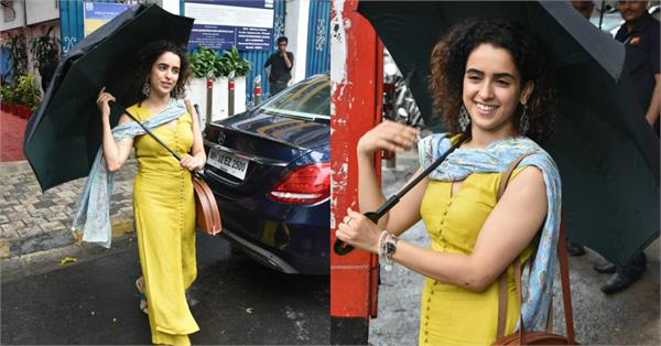 sanya malhotra enjoy the mumbai rains