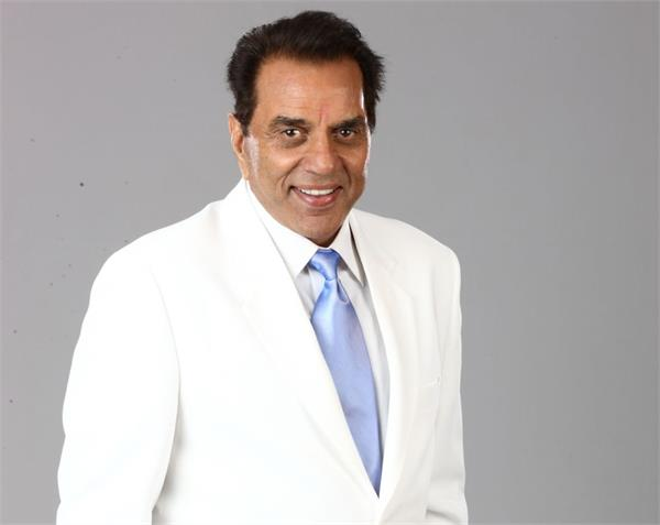 actor dharmendra tweets goes viral on internet