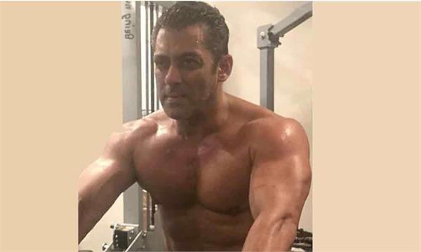 salman khan share his pic with a message