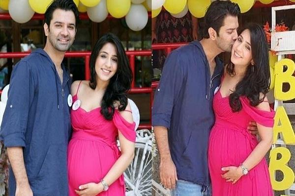 baarun and his wife pashmeen blessed with baby girl after eight year of marriage