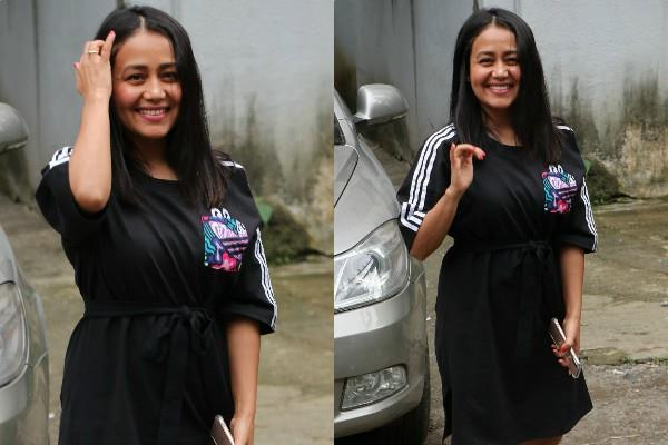 neha kakkar spotted at juhu