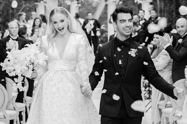 first pic of sophie turner joe jonas wedding