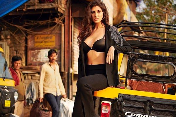 sacred game actress elnaaz norouzi photoshoot for dabboo ratnani