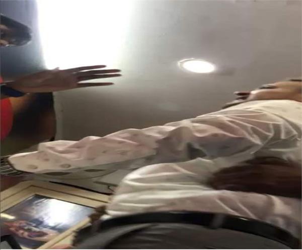 former union minister kalraj mishra s son in law abused the police
