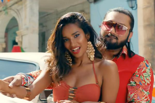 yo yo honey singh in trouble for vulgar lyrics in new song makhna