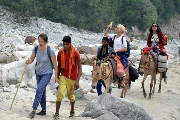 pilgrims will able to visit hemkund sahib by horses